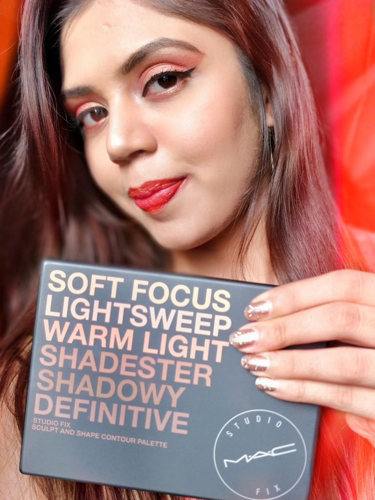 Now comes the bomb product from MAC Studio Fix – sculpt and shape contour palette, it has concealer, blush, corrector and contour shades!